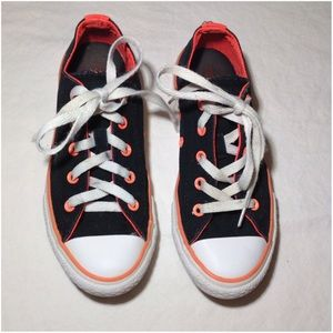 Junior's Size 1 All Star Converse Shoes